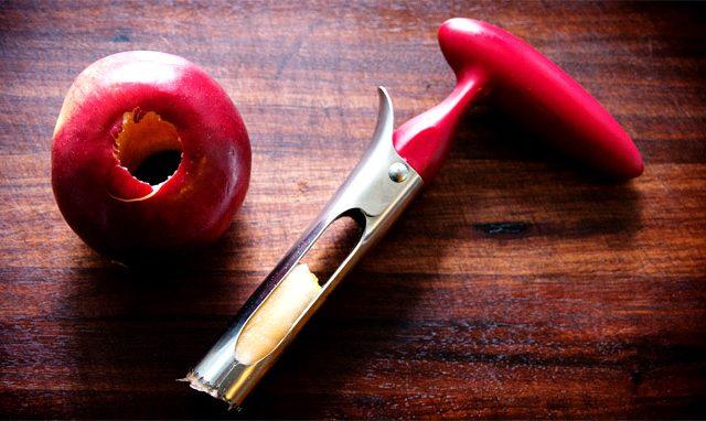 Απομάκρυνση πυρήνα μήλων